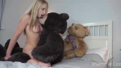 Teddy Humping