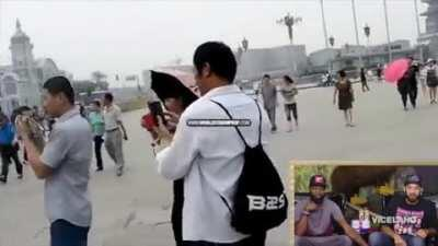 Chinese tourists react to black tourists
