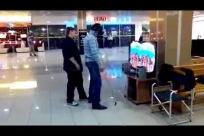 Man dies during VR Roller Coaster