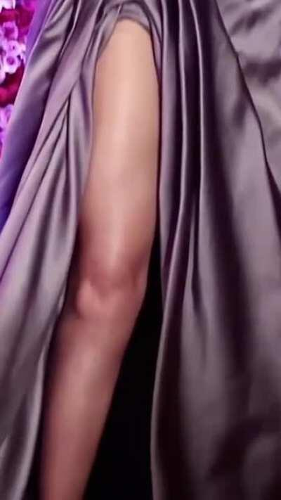 Who wishes to lick those hot legs of Deepika Padukone from her toes right upto *you know where I mean* 🤤🤤