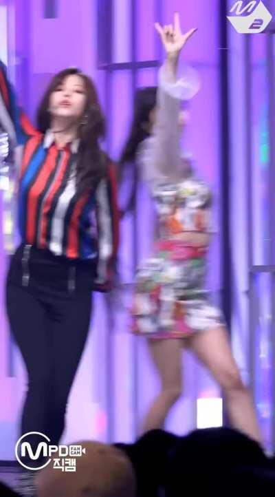 Jeongyeon with the moves (ft. TWICE)