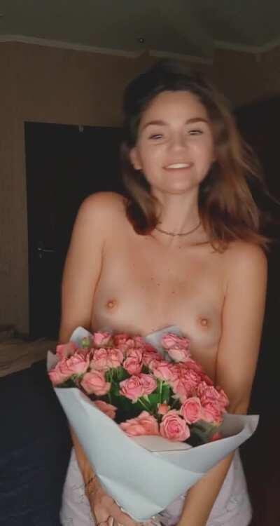 I love to receive flowers from you😍😍😍