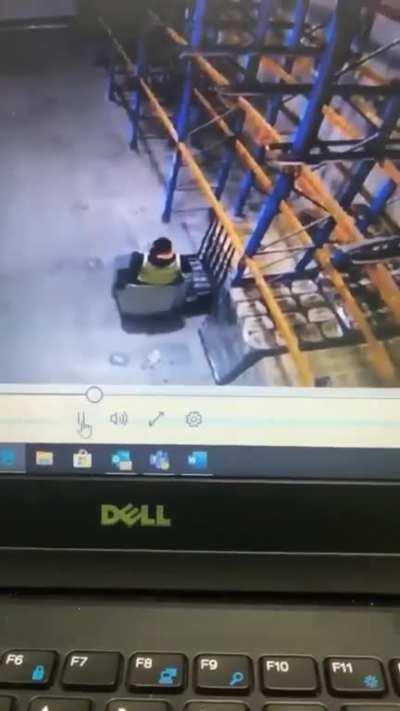 WCGW trying to use the new ride on pallet jack