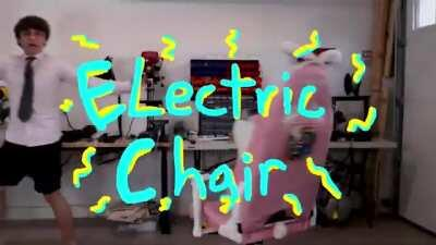 Michael Reeves testing out his homemade electric chair