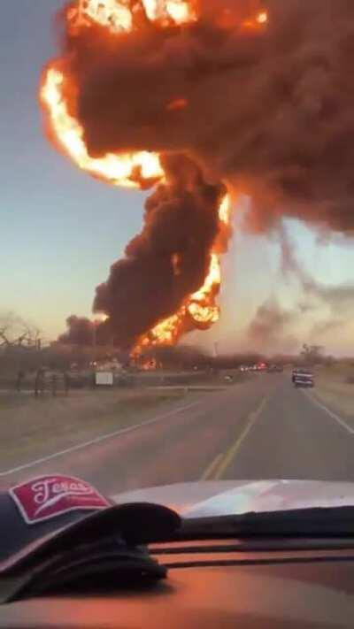 Train vs Truck causes explosion in Cameron, TX - 2/23/21