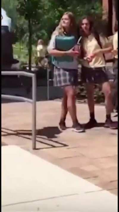 We could all learn some tips from this guy on how to not pick up girls