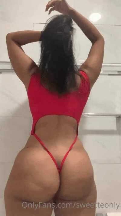 Jiggling that ass