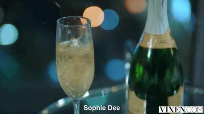 Sophie Dee Is Back [Vixen - Insatiable]