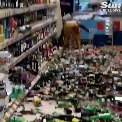 Woman destroys $130,000 in alcohol at a Aldi in Stevenage (25/11-2020)