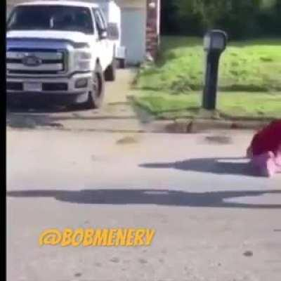 Kid without legs beating up another kid with legs, epic commentary