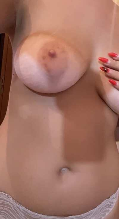 ❤️ Petite 18 y.o Slut looking for a Boyfriend ❤️ Tight sweet Pussy, always horny and Wet 😇 Forget about boring Porn, welcome to my Amateur Paradise! 💋 FREE pics/vids on chat included as well 🔥 Link in comments 👇🏻👇🏻