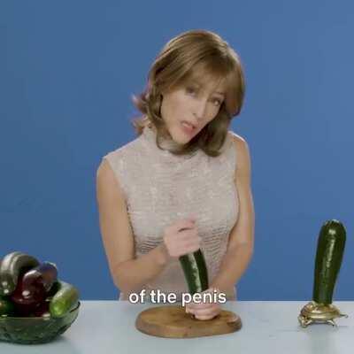 Loving Gillian Anderson in Sex Education 🤣