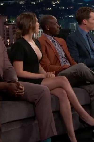 Elizabeth Olsen's iconic black dress on Jimmy Kimmel