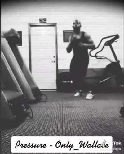 Finally installed tiktok ... [NSFW] *...s##t took wayyy too long to edit lol* 'Pressure' (home gym performance)