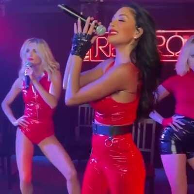 Nicole Scherzinger Red Room 4 GIF by cu3121