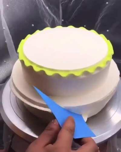 Using pottery skills in cakemaking process