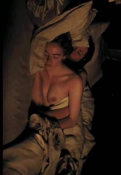 Emma Stone - Gorgeous plot in 'The Favourite'