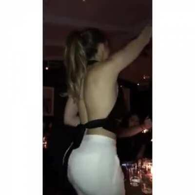 Jennifer Lopez's fat ass is fucking amazing. What a MILF!