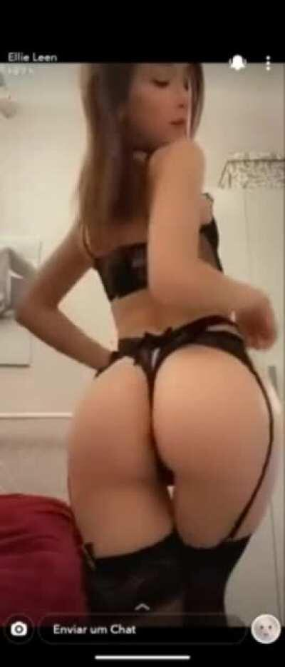 Juicy Asian in Sexy Lingerie