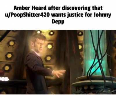 amber heard more like amber TURD !!!
