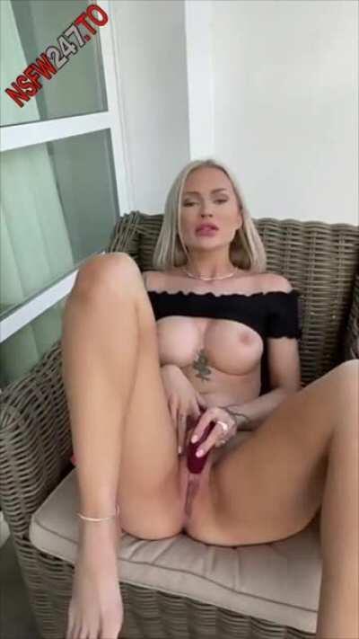 Layna Boo nude 🔥🔥🔥