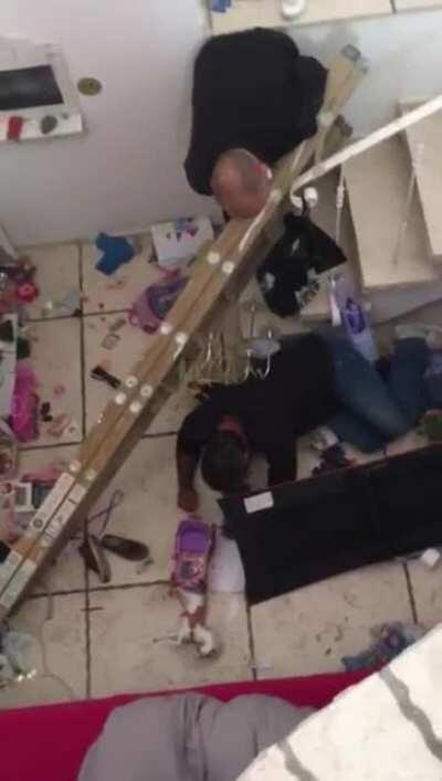 Balancing a Ladder on Stairs