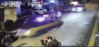 HMFT after I stand on a Chinese street.