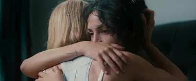Lesbian scenes in 'I Care a Lot'