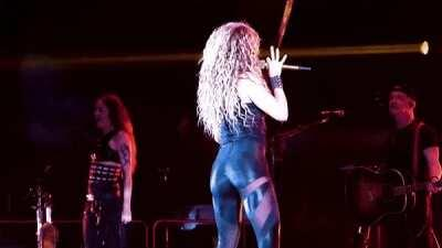 Shakira 🔥🍑