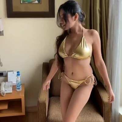 Hot indian model simran kaur