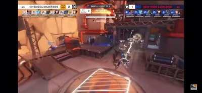 Questionable Commentating in the OWL May Melee Tournament...