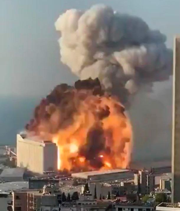 Better shot of the Beirut explosion.