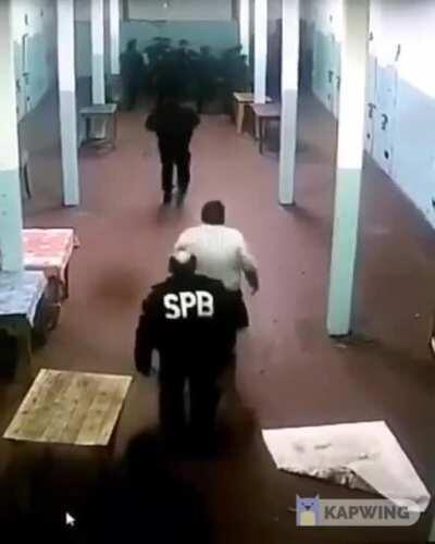 Videos desde dentro de los motines de estos días en varias cárceles de Buenos Aires