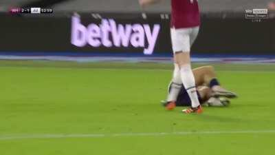 Jack Grealish diving, absolutely pathetic.