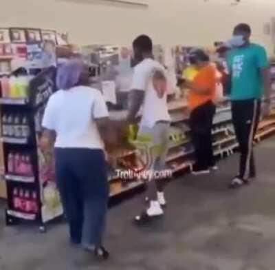 Mom delivers ass whooping to teen that skipped school on Zoom