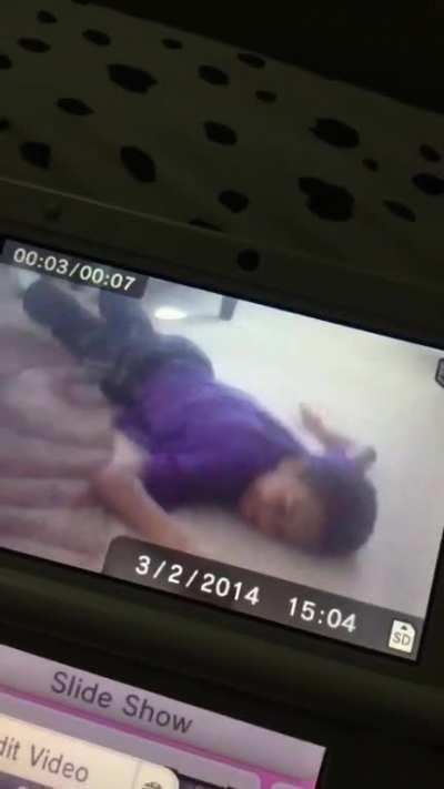 i was cleaning out my old 3ds camera roll and i found whatever this is 💀 here is a blooper of me trying to record my brother 😂