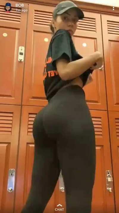 All her butt drops 🤝