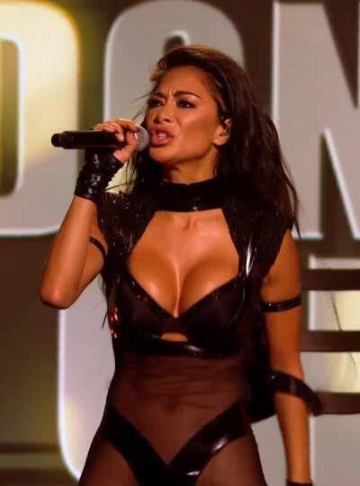 Nicole - Titty Bounce