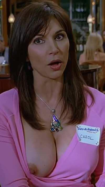 Kimberly Page in The 40 Year Old Virgin (CROPPED FOR MOBILE)