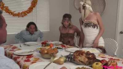 My Family Pies - Jessie Saint & Katie Kush - My Step Cousins Cum For Thanksgiving