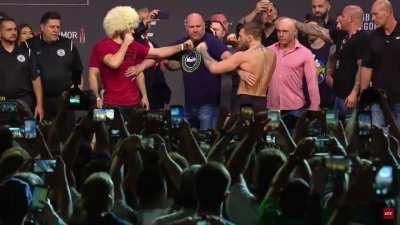 Khabib Nurmagomedov vs. Conor McGregor weigh-in staredown