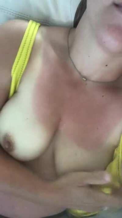 In need of some hot cum to make this sunburn go away. Watch till the end 💦