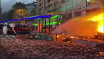 Lasers used against police in Chile
