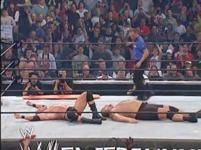 The finish to Brock Lesnar and Big Show's stretcher match still holds up and highlights what an incredible performer Brock Lesnar is.