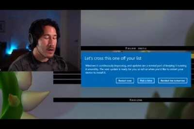 Windows 10 wOuLd LiKe To UpDaTe