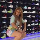 Реклама обувного магазина...)