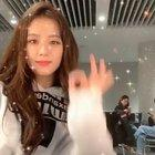 "190613 Jennie IG Update: ""Let me see you shake @somsomi0309"""