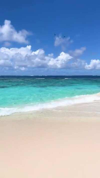 10 seconds of beach heaven