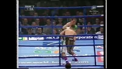 Prince Naseem Hamed makes a mockery of number 1 contender, José Badillo for the WBO featherweight title. This clip never gets old.