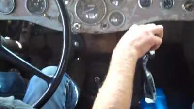 Detroit Diesel 453T in 48 Diamond-T. Not my video, credit to youtuber Buckbz. I have always loved the sound in this video and for those who haven't seen/heard it, please enjoy.
